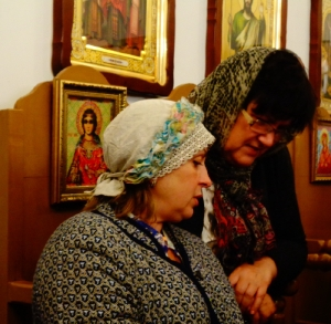 Гости читают акафист Успению