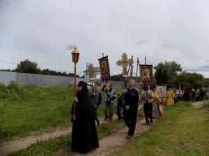 Крестный ход с иконой Божией Матери Калужская в монастыре