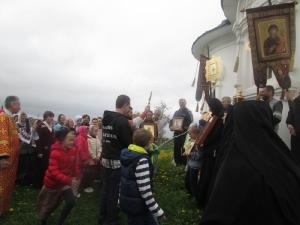 Дети из калужской воскресной школы в гостях в монастыре